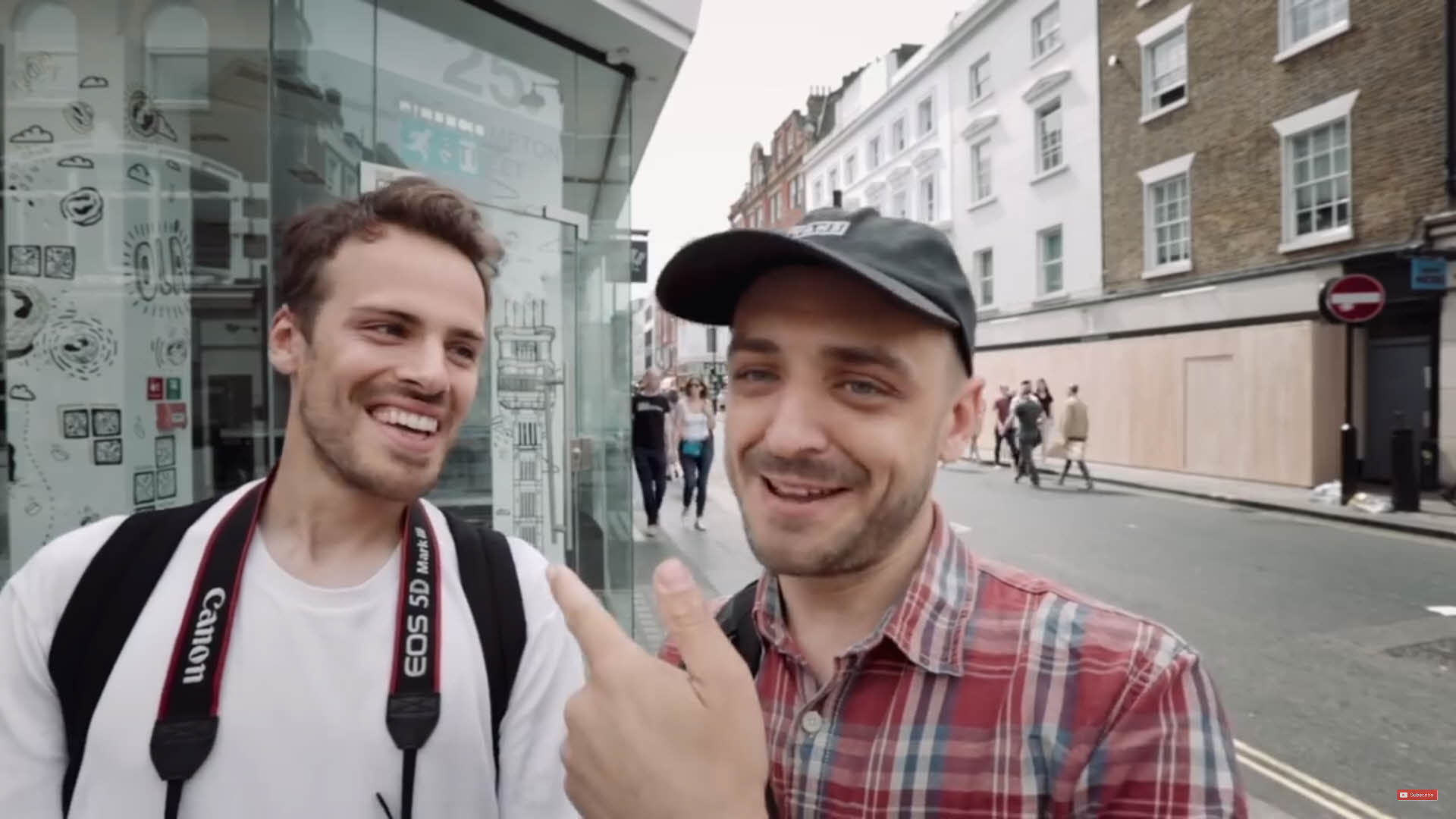 今天的兩位主角,右邊是尋求協助的Jamie Windsor;左邊是指導老師Pablo Strong