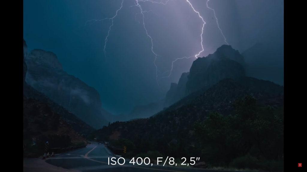 相機設定值: ISO 400 - f/8 - 2.5s