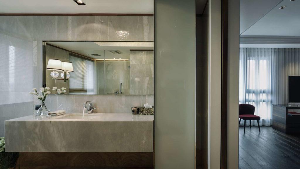 台北新店市空間攝影-主臥室與衛浴通道
