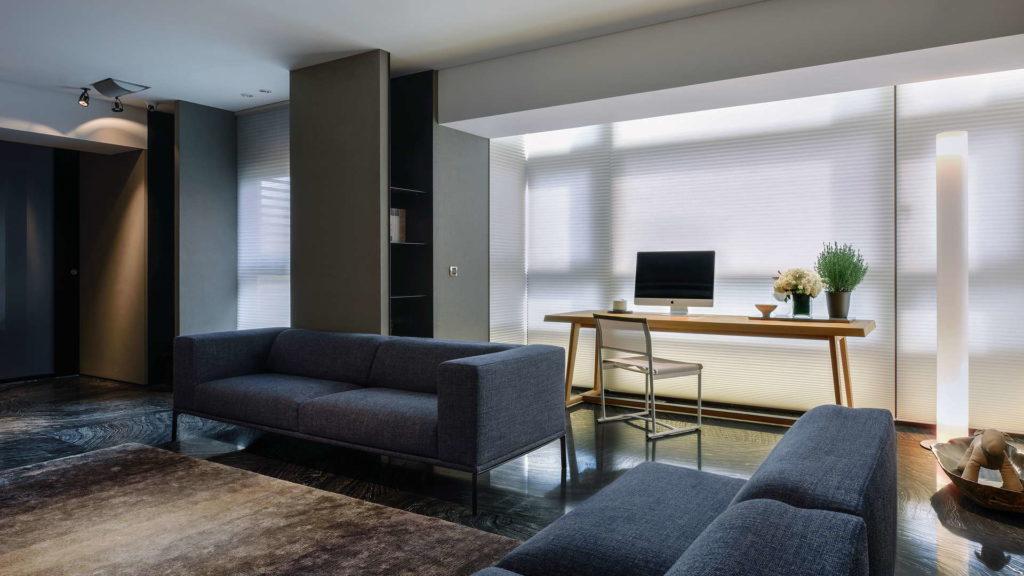 客廳沙發與工作桌-中壢海華大帝空間攝影案例