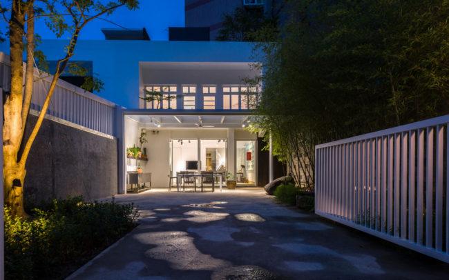 外觀夜景與庭院-中壢辦公室空間攝影