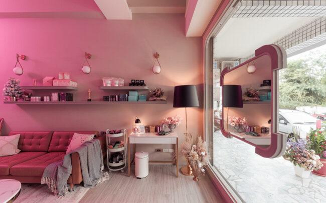 台中 | 粉色霓虹夢幻店鋪